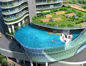 Gökdelenin balkonunda yüzecekler