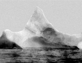 Titaniki batıran buzulun fotoğrafı açık artırmada
