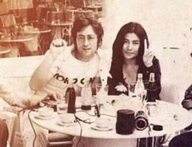 Erkin Koray ve John Lennon aynı karede