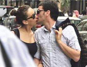 Sokak ortasında öpüştüler