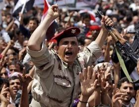 Yemende bayram kana bulandı
