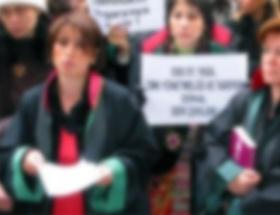 Kadın avukatlar taciz mağduru