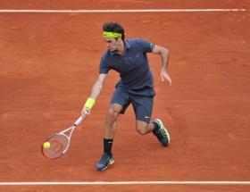 Federer üçüncü turda
