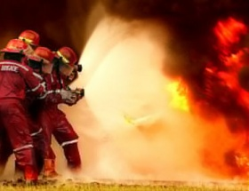Fabrikada yangın: 17 ölü