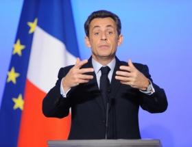 Sarkozy, Abbasla görüştü!