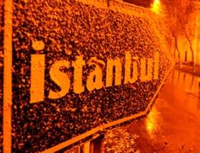 Edirne bembeyaz, kar İstanbul yolunda