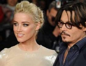 Johnny Depp de terk edildi