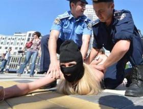 Euro 2012 finaline Femen damgası