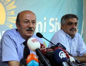 Bekaroğlu istifa etti