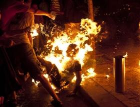 2 Tibetli daha kendini yaktı