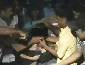 Sokakta taciz Hindistanı karıştırdı