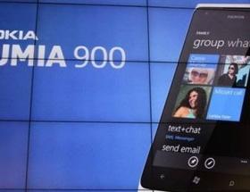 Nokia yarı yarıya fiyat düşürdü