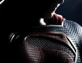 Supermanden ilk afiş yayınlandı