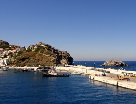 Yunanistanda sıra adalara geldi