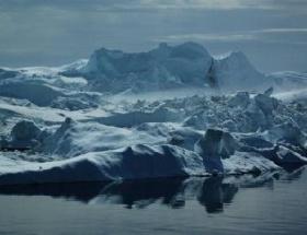 Grönlanddaki buz tabakası eriyor