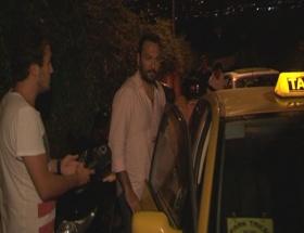 Ali Sunal iki kadınla yakalandı