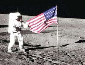 O bayrak hâlâ dalgalanıyor