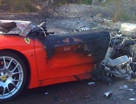 Ferrarisini bu hale getirdi!