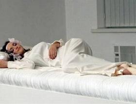 Uyuyan güzeller prenslerini bekliyor