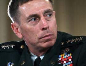 Yasak ilişki CIA başkanını yaktı