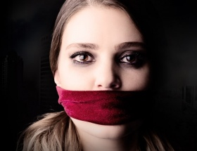 Suskunlarda tecavüz şoku