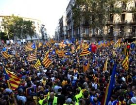 """""""Egemenlik Deklarasyonu"""" Katalan Meclisinde kabul edildi"""