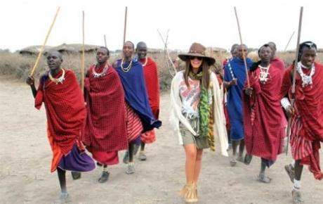 Topuklu ayakkabıyla safari