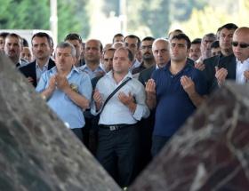 Menderes mezarı başında anıldı