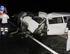İşçi minibüsü kaza yaptı: 9 ölü