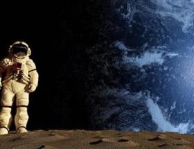 Ayın karanlık yüzüne üs