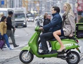 Kiralık motosikletler trafikte