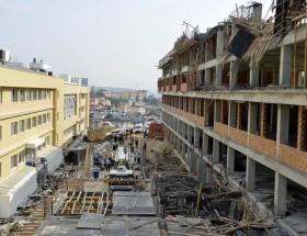 İstanbulda okul inşaatı çöktü!