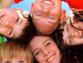 Türkiyede bin 493 çocuk koruyucu aile yanında