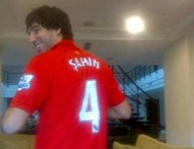 Arda Liverpool forması giydi