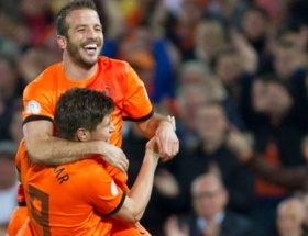 Hollanda zorlanmadı