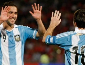 Messi yine affetmedi
