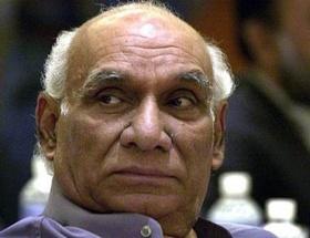 Bollywoodun efsane yönetmeni öldü