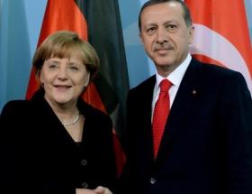 Merkelin seçim vaadi: Türkiyeye karşıyız