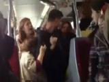 İstanbulda iki kadının metrobüs kavgası