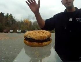 Hamburgeri uzaya gönderdiler!