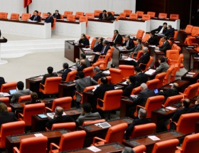 Mecliste bir ilk
