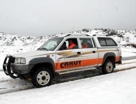 Antalyada 4 köylü karda mahsur kaldı