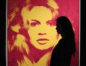 Andy Warhol arşivine servet