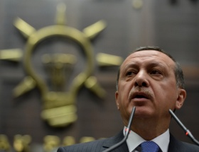 AKP Başkanlık sistemi teklifini sundu