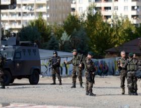 Polis aracına bombalı tuzak