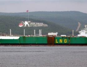 286 metrelik tanker boğaz kapattırdı