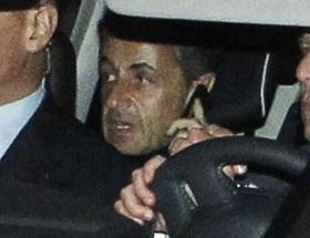 Sarkozynin ses kayıtlarının yayınlanmasına mahkeme yasağı