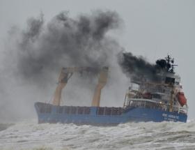 Rizede yük gemisi battı