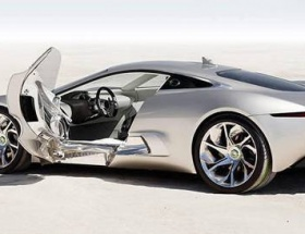 Jaguar süper hibritten vazgeçti