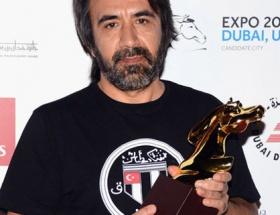 Zeki Demirkubuza Dubaiden ödül